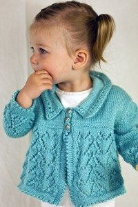 heart-lace-baby-cardigan-free-knit-pattern