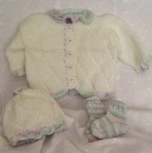 preemie and newborn knitting set