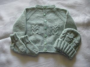 owl-cable-baby-set-knitting-pattern