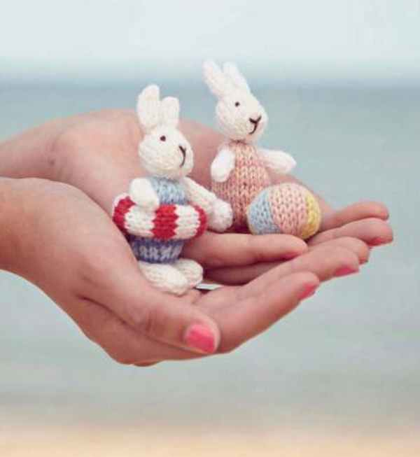 Knitting Pattern for Beach Bunnies
