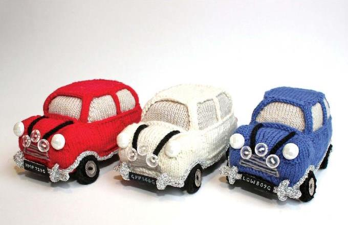 Knitting pattern for a mini car